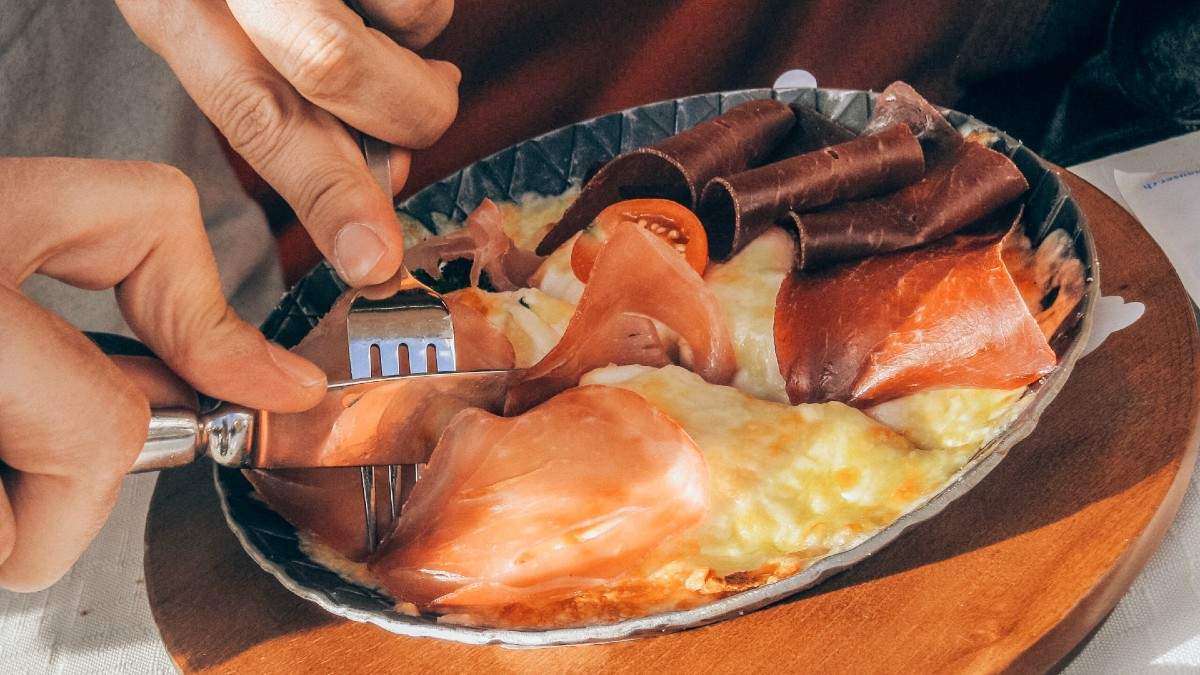 Υψηλή Χοληστερόλη: Δεν είναι τα λιπαρά ένοχα – Αυτός είναι ο πραγματικός εχθρός!